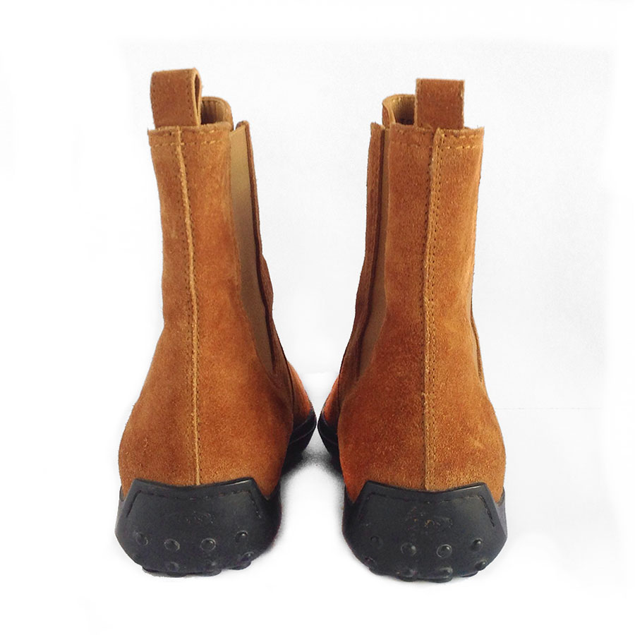 Tod's Ascot Beatle Suede Leather Ankle Boots in Opo Biscuit with Pebbled Rubber Sole
