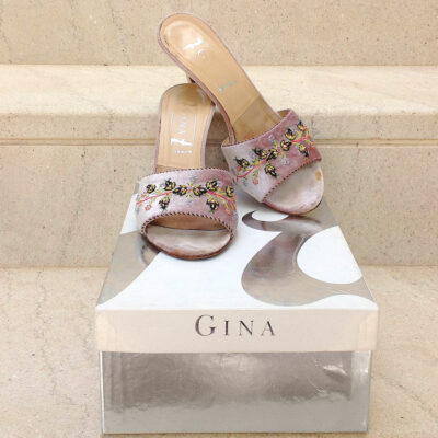 Gina London Powder Size 5 1/2 UK Embroidered Floral Motif Velvet/Leather Sandals