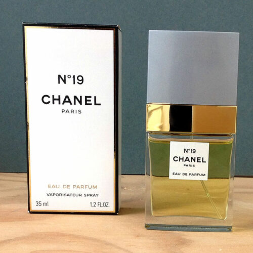 Chanel Nº 19 Paris Eau De Parfum Vaporisateur Spray 35ml/1.2 FL OZ w/ Box Used
