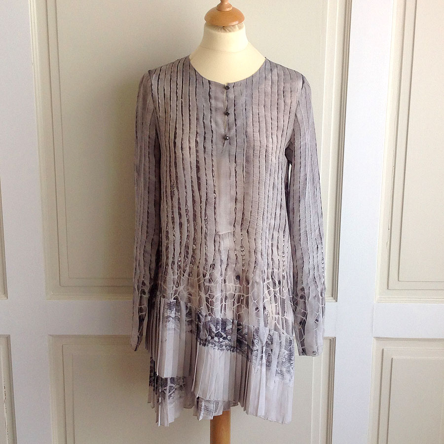 Roberto Cavalli Grey Size 40 Long Sleeve Print Short Silk Dress/Tunic w/Hologram