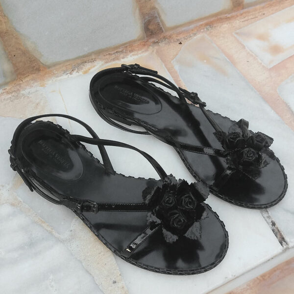 Bottega Veneta Black Patent Leather Size 37 1/2 Floral Sling Back Flat Sandals