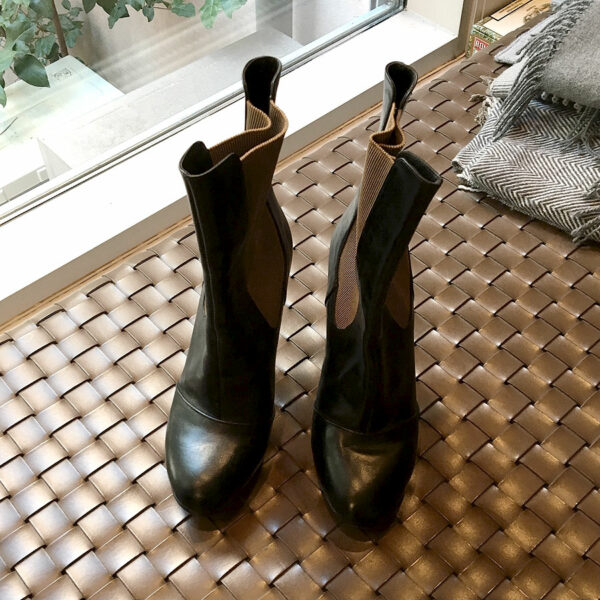 Dries Van Noten Black Leather Size 40 Round Toe Ankle Booties