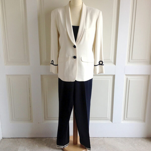 Giorgio Armani Ivory Size 38 Single Breasted Jacket w/ Blue Pants & Top Size 40