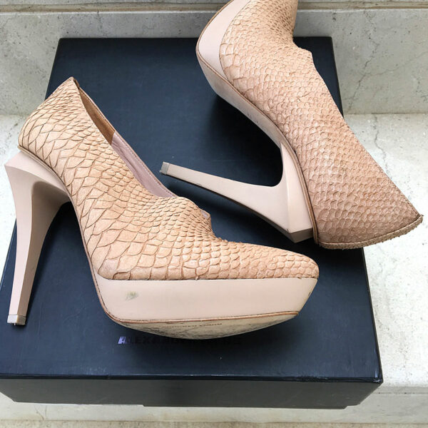 Alexander Wang Natasha Beige Leather Size 38 Pointed-Toe Pumps in Box