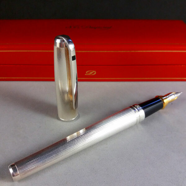 S.T. Dupont Olympio Silver Fountain Pen 480500M w/18ct 750 M Nib & Papers in Box