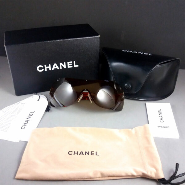Chanel 4126 c.296/73 120 Quilted Arms Shield Sunglasses w/Box Case Bag & Papers