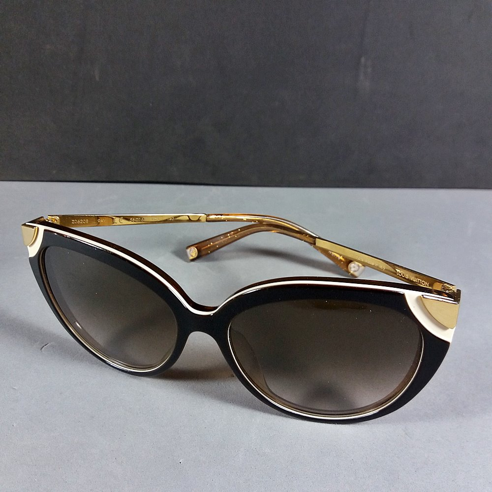 1a38ee54024d5 Louis Vuitton Cat Eye Z0620E 9AV 140 Brown   Amber Sunglasses w LV ...