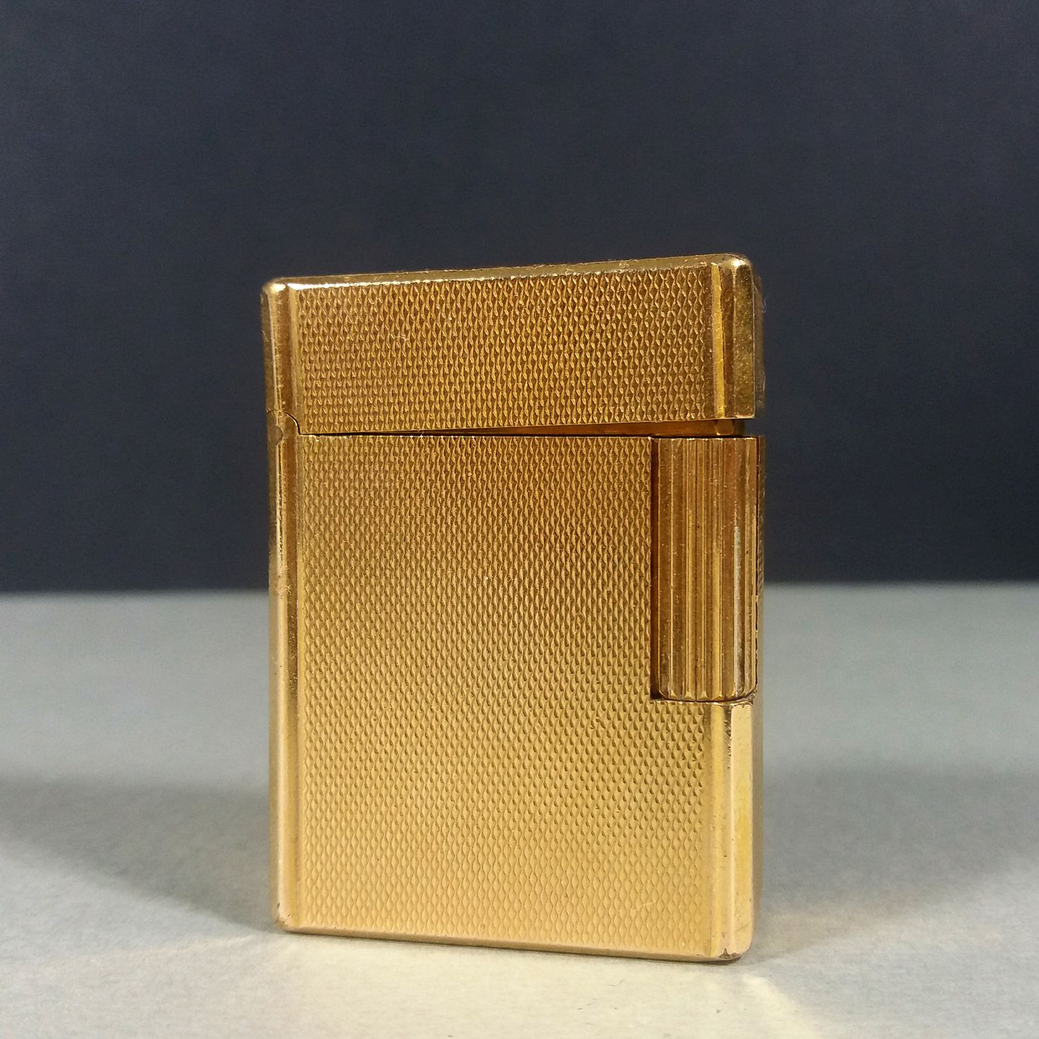 S.T. Dupont Gold Plated 20μ Diamond Pattern Small Ligne 1 Gas Cigarette Lighter