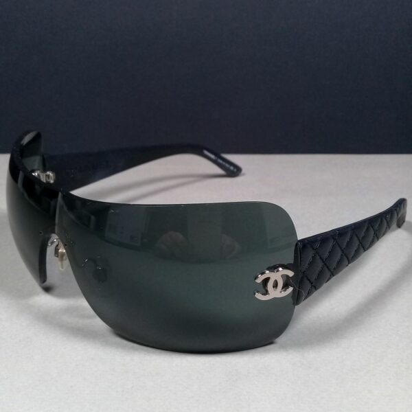 Chanel 4157-Q c.127/87 120 3N Black Quilted Leather Designer Sunglasses in Case
